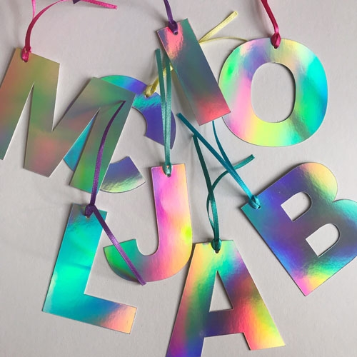 Holographic gift tags Image